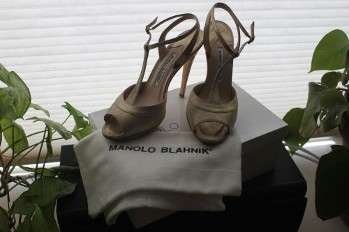 Manolo Blahnik Ruffian SS11 gold shoes